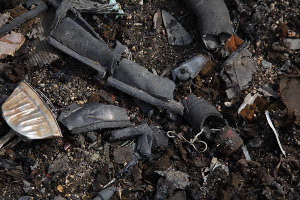 種々雑多な豊島の廃棄物