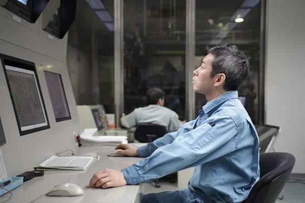 大きな施設ですが、24時間、常時隅々まで監視しています。