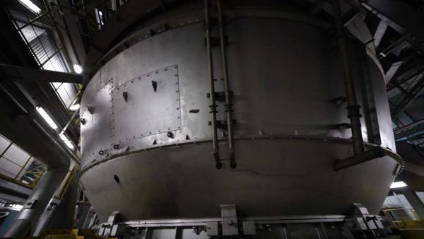 溶融炉。年間300日以上稼働します
