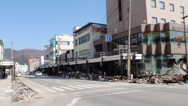 釜石:津波が去った後の釜石市街地